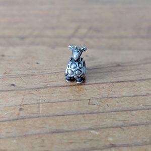 Pandora Giraffe